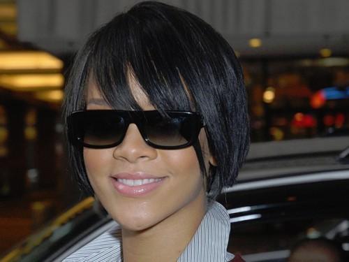 Überaus attraktive kurze Bob-Frisuren für schwarze Frauen