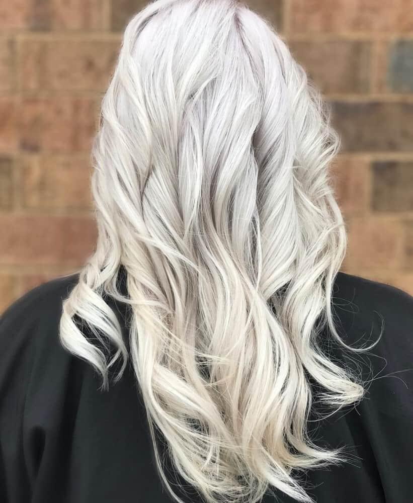 Platinblonde Haarfarbe 2020