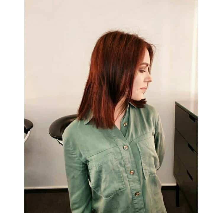 Kombination von Schokoladen- und roten Haarfarbentrends 2020