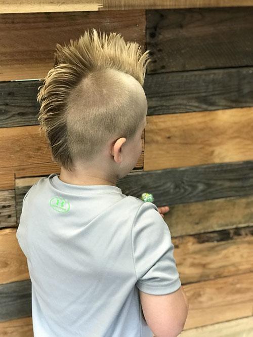 Mohawk Fade für Kinder