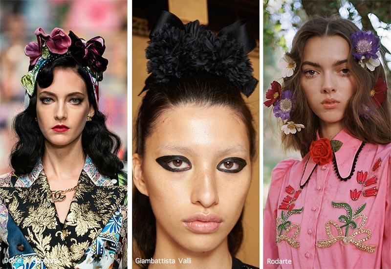 Frühjahr / Sommer 2021 Haarschmuck-Trends: Blumen-Haarschmuck