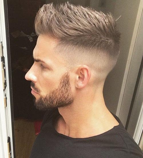 Neuer Haarschnitt für Männer