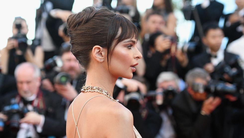 Emily Ratajkowsky Französisch Twist Frisuren Cannes 2017