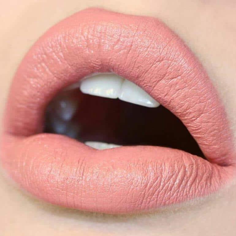 Beliebte Lippenstiftfarben 2020 für den Frühling: Saftige Aprikose