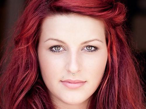 Warme rote Haarfarbtöne