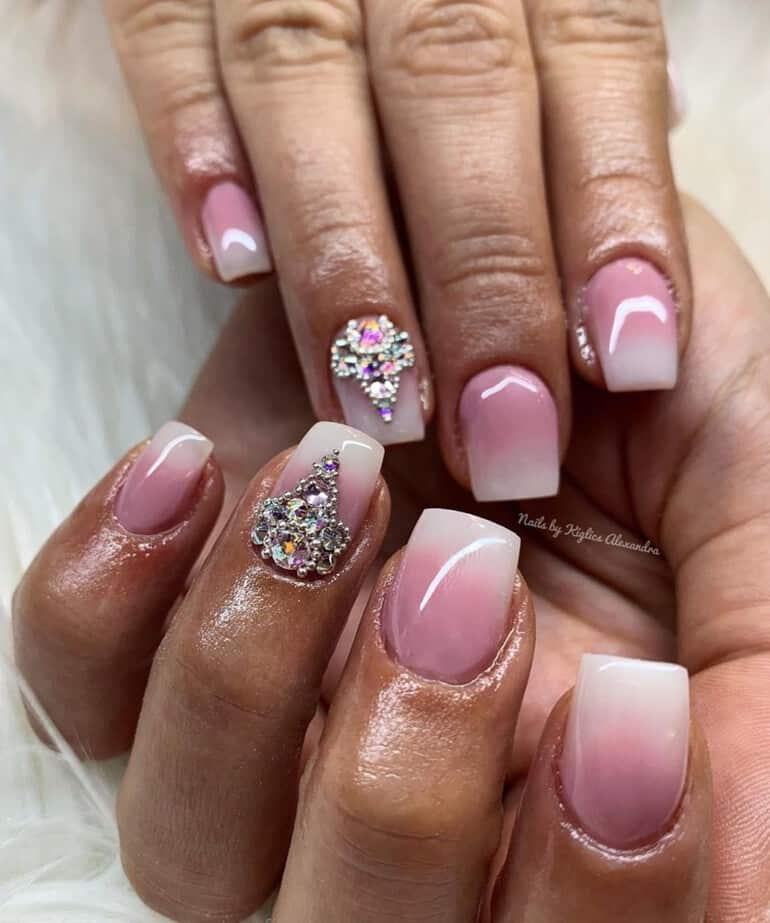 Hochzeitsnägel 2021 mit Diamanten und Glitzern