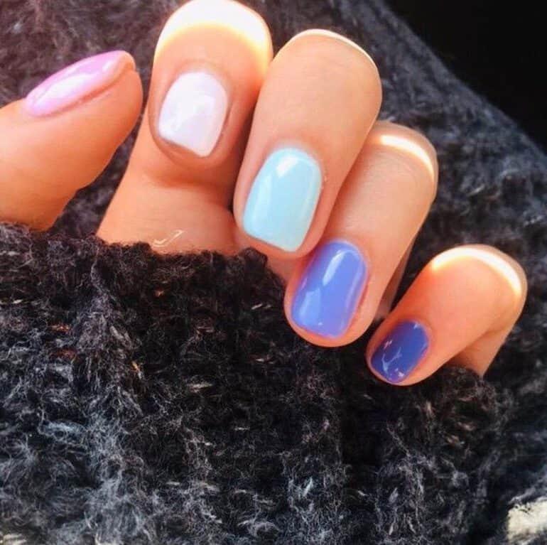 Einfarbige Farben wie kurze Nägel Trend 2021