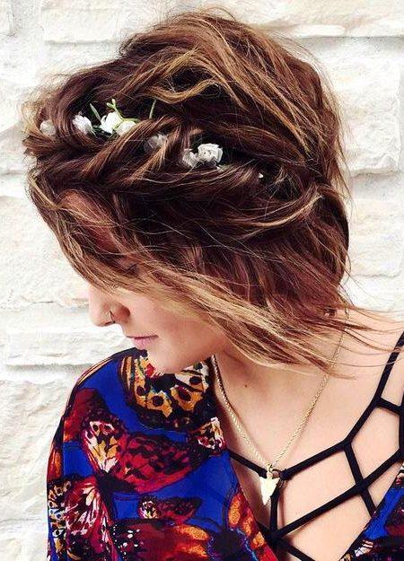 Frisur für kurzes glattes Haar