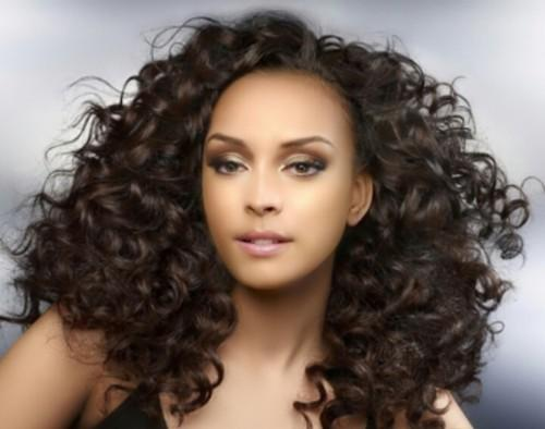 Curly Weave Frisuren
