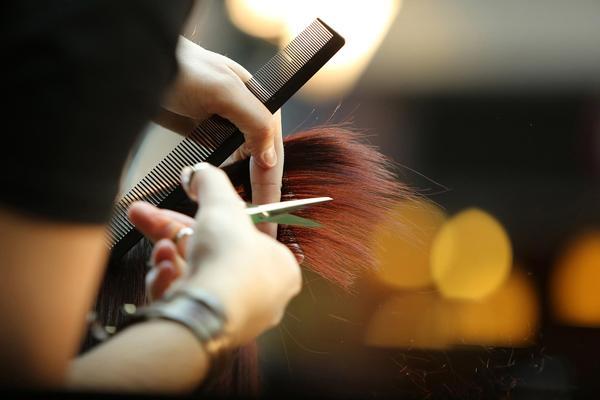 Friseursalon Dienstleistungen nach covid-19