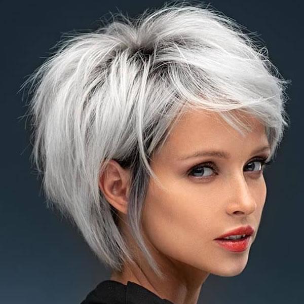 Kurze graue Frisuren für Frauen in den Jahren 2021-2022
