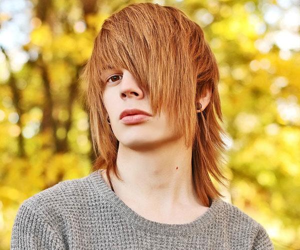 Kreative Emo-Frisuren und Frisuren
