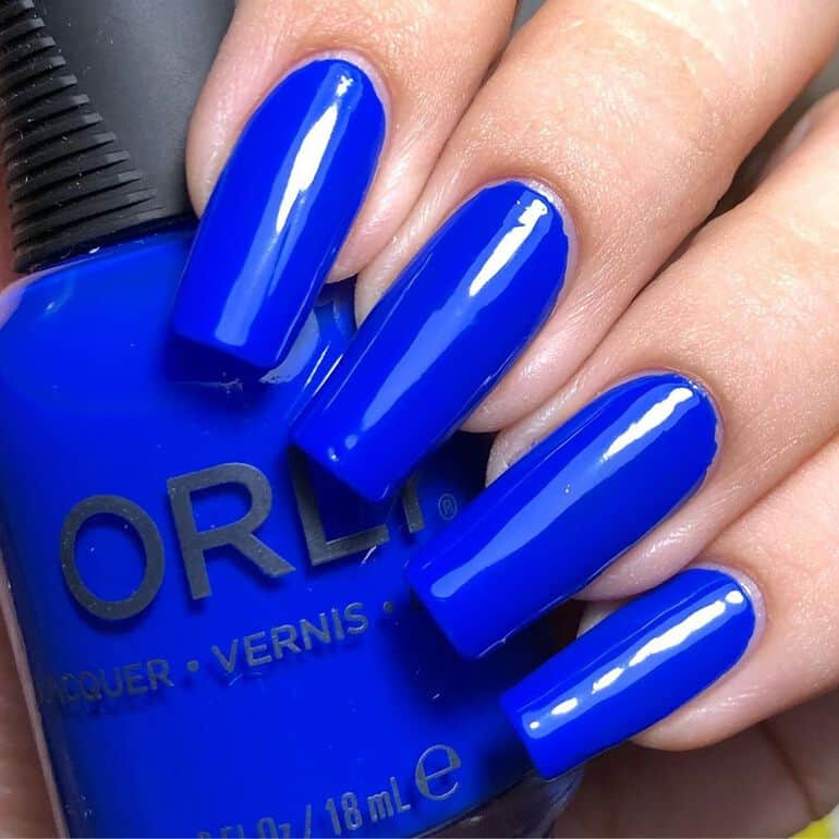 Top nail polish colors 2021: cobalt blue