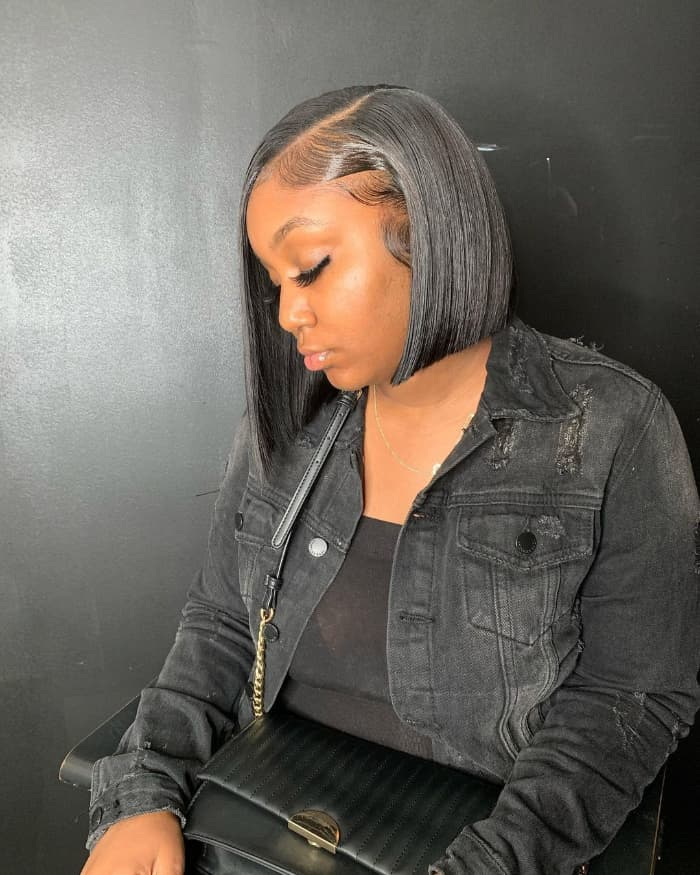 Gerader asymmetrischer Haarschnitt