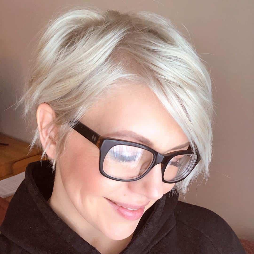 womens-short-hairstyles-2021-pixie