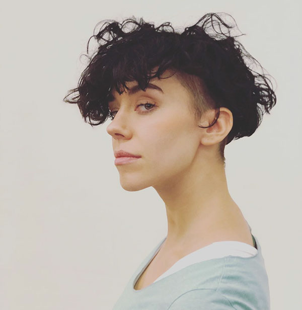 Kurzes unordentliches Haar