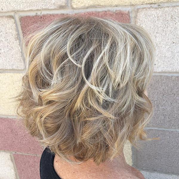 Kurzes und unordentliches Haar