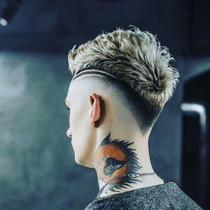 Haut verblassen mit strukturiertem, stacheligem Haar