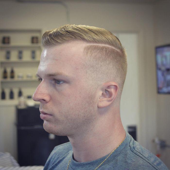Harter Teil Haarschnitt Militär