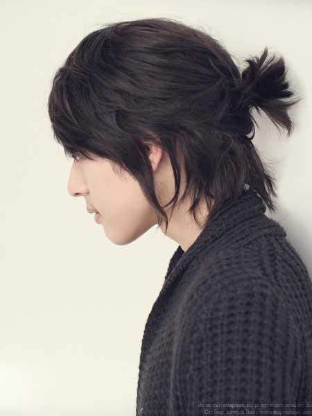 Die Samurai-Brötchen-Frisur - Frisur auf den Punkt