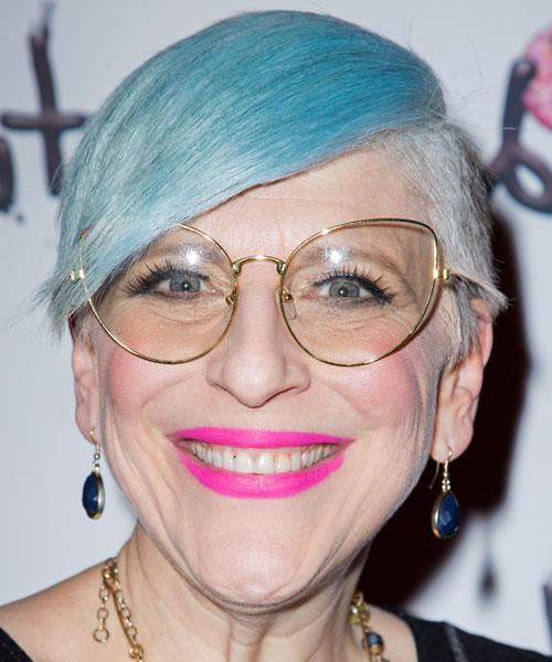 Kurze Frisuren für ältere Frauen über 60 in den Jahren 2021-2022