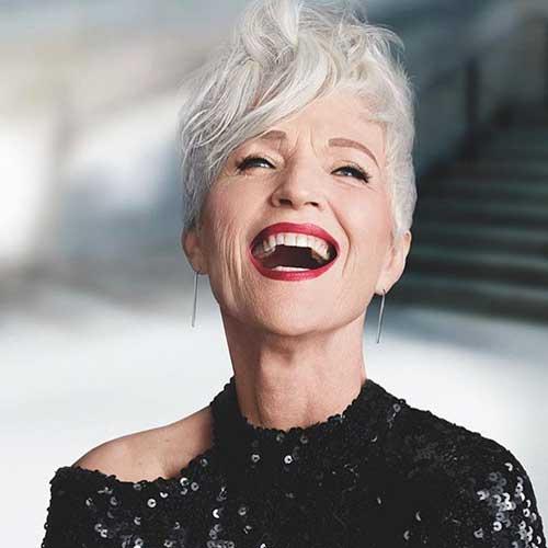 Sehr kurze Haarschnitte für Frauen über 60
