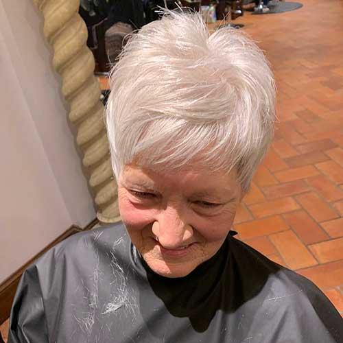 Kurze Frisuren für feines dünnes Haar über 60