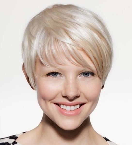 Feines Haar für kurze Haarschnitte 2021-2022