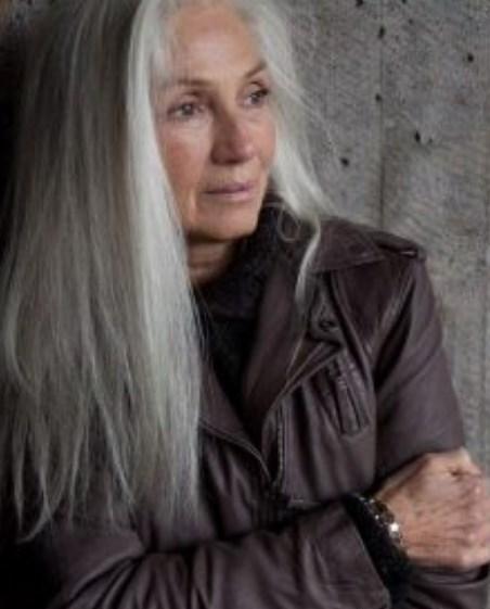 Oma Frisuren für langes Haar