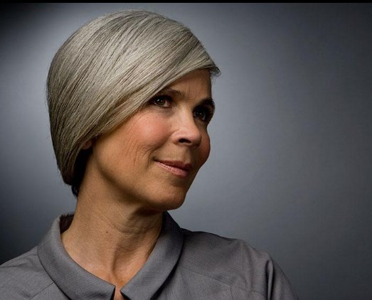 Kurze graue Frisuren 2019 weiblich