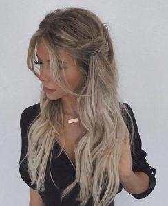 langes verdrehtes Haar