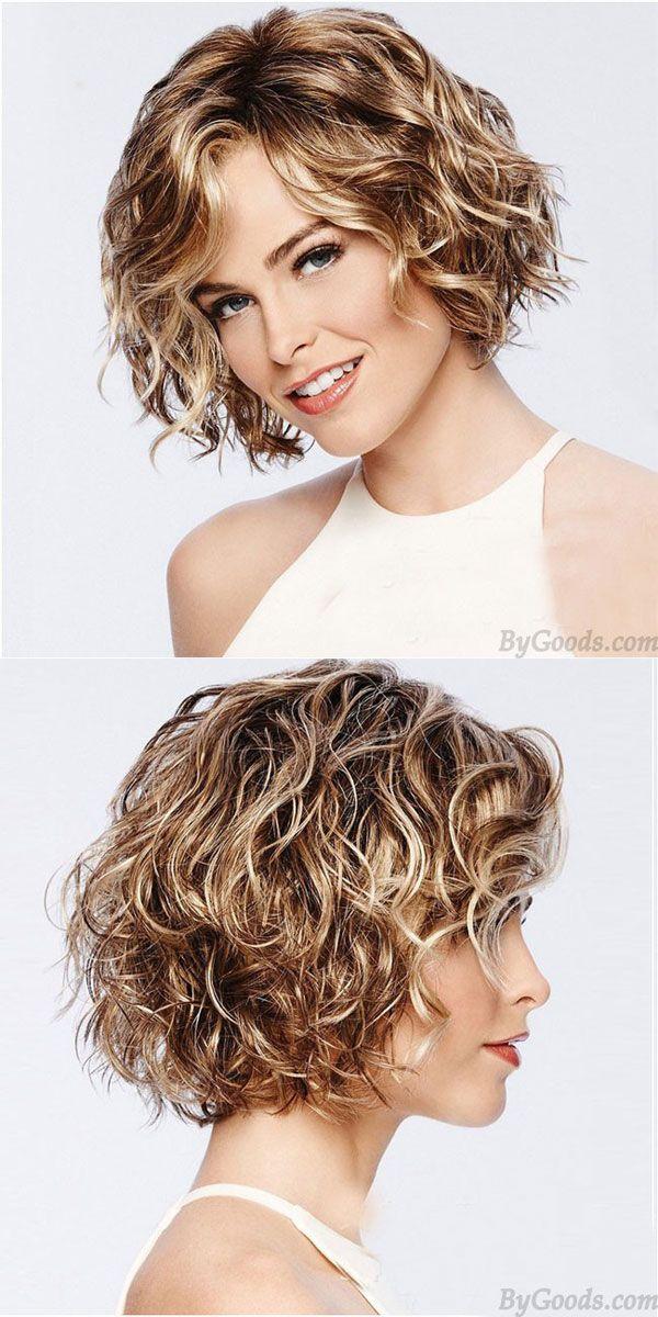 geschichtete-kurze-Frisuren-für-natürlich-lockiges-Haar-über-50