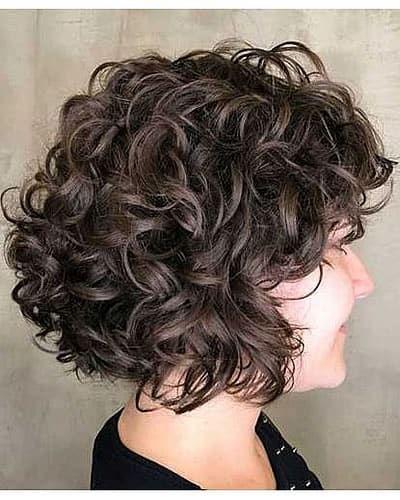 Pony-Frisuren-für-natürlich-lockiges-Haar-über-40