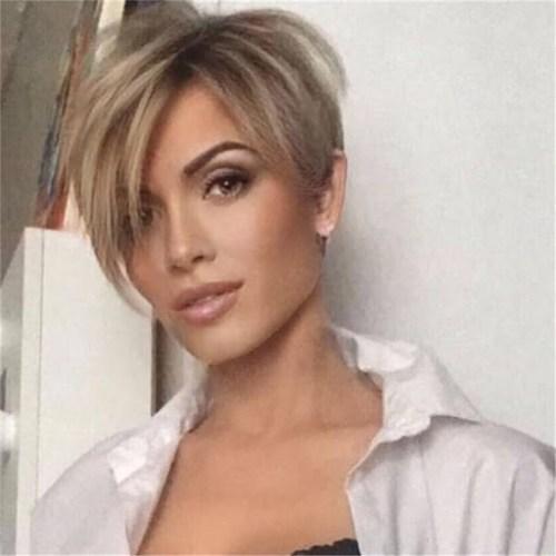 Nette kurze Pixie-Frisur - kurze Haarschnitte 2021 weiblich