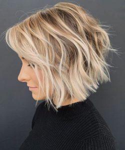 welliges strukturiertes Haar