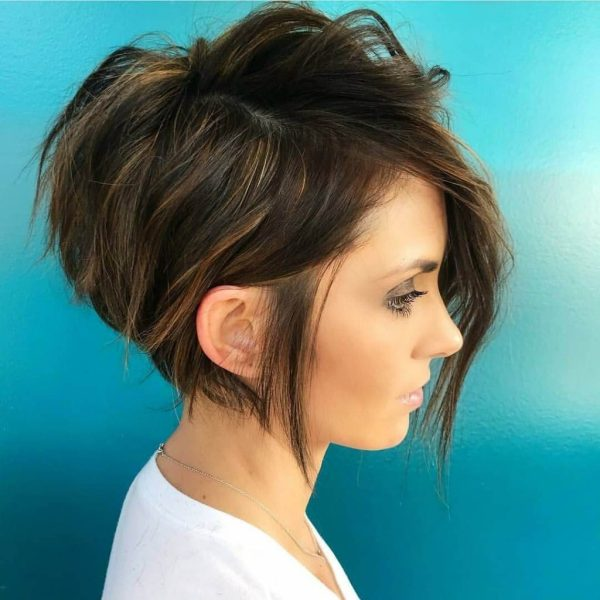 Layered Bod Cut with Streaks Haircuts 2020