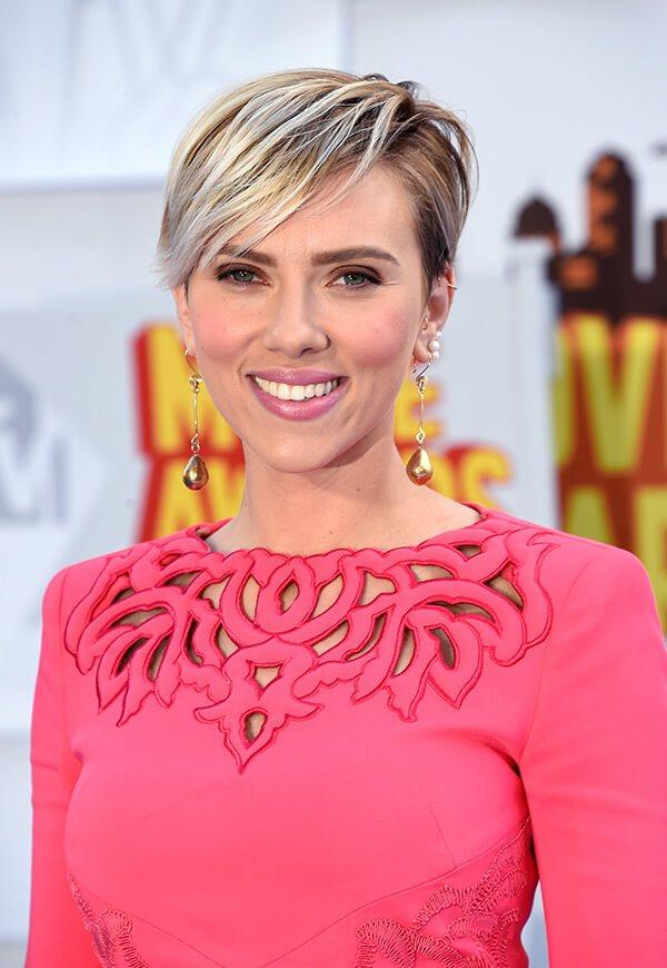 14. Short Blonde Beauty -Short Hairstyles for Women 2020