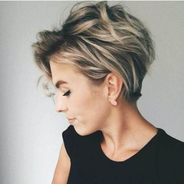 16. Messy Short Hair -Short Hairstyles for Women 2020