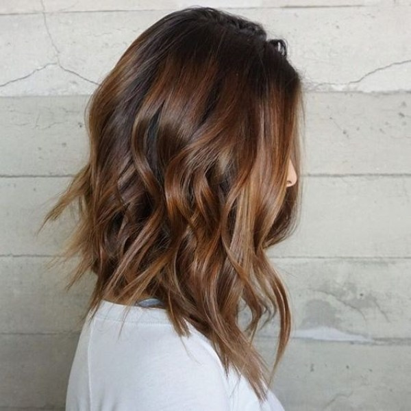Medium Hairstyles with curls 2021 haircuts female