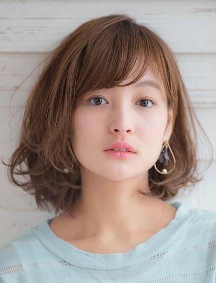 wartungsarmes trendiges koreanisches schulterlanges Haar