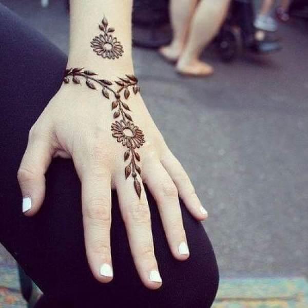 Einfaches Armband Arabisch Mehandi