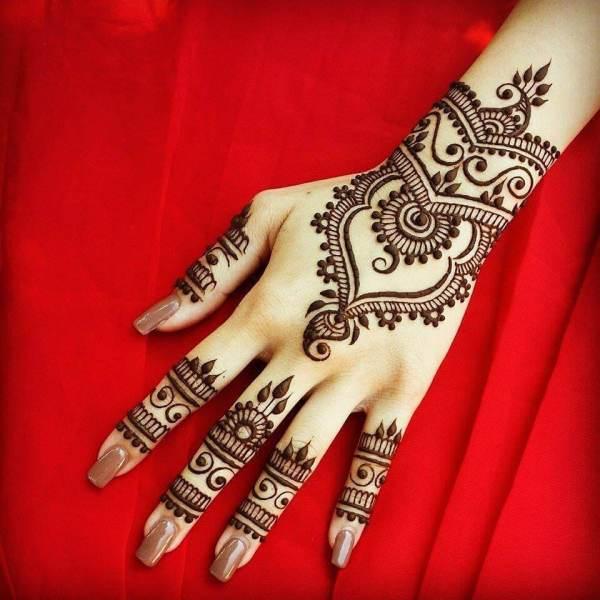 Stilvolle arabische Mehndi Designs