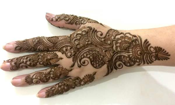 Traditionelle arabische Mehndi Designs