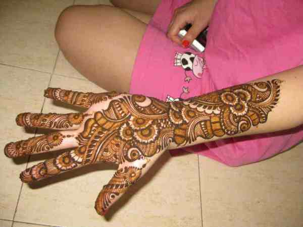 Bunte arabische Mehndi Designs
