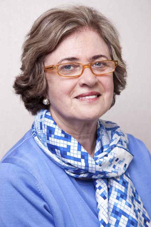 Kurzhaarfrisuren für ältere Frauen mit Brille