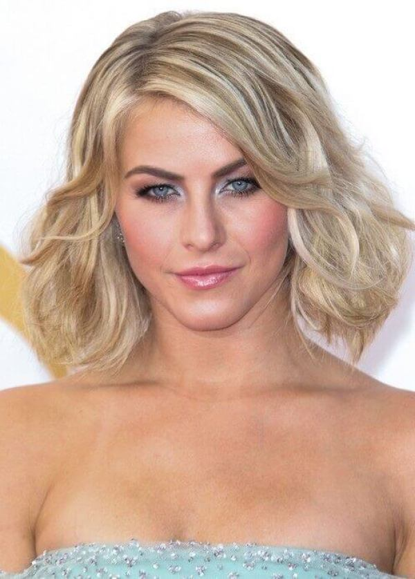 2019 Blonde Curled Bob Haarschnitt