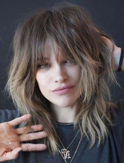 extreme Schicht mittellanges geschichtetes, zotteliges Haar