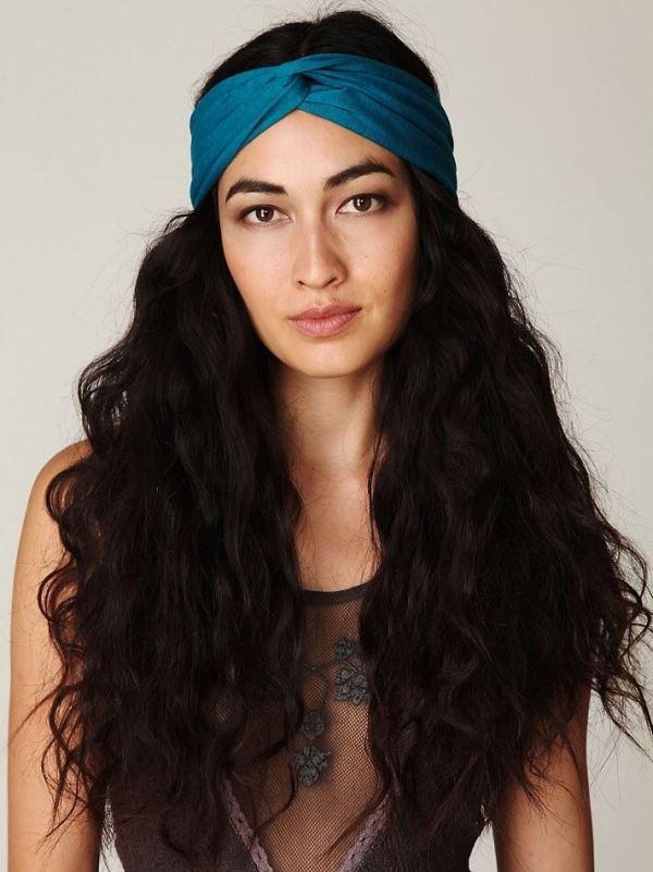 Stirnband & diffuse Locken Frisuren 2020