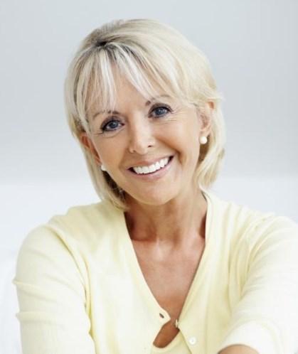Frisuren für quadratisches Gesicht über 60