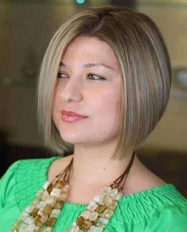Frisuren für quadratische Gesichter über 50